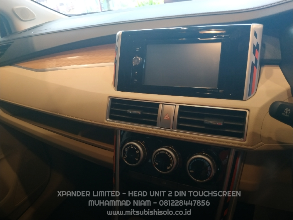 Harga Xpander Limited Solo Head Unit 2 Din Touchscreen